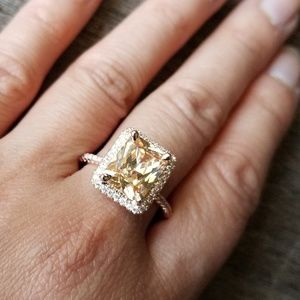 🔥JUST IN🔥GORGEOUS SIMULATED CITRINE RING